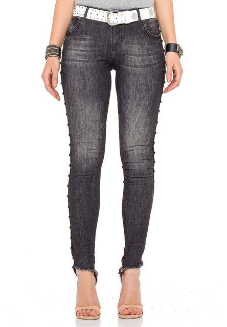 Hosen - Cipo Baxx Bequeme Jeans in coolem Design › weiß  - Onlineshop OTTO