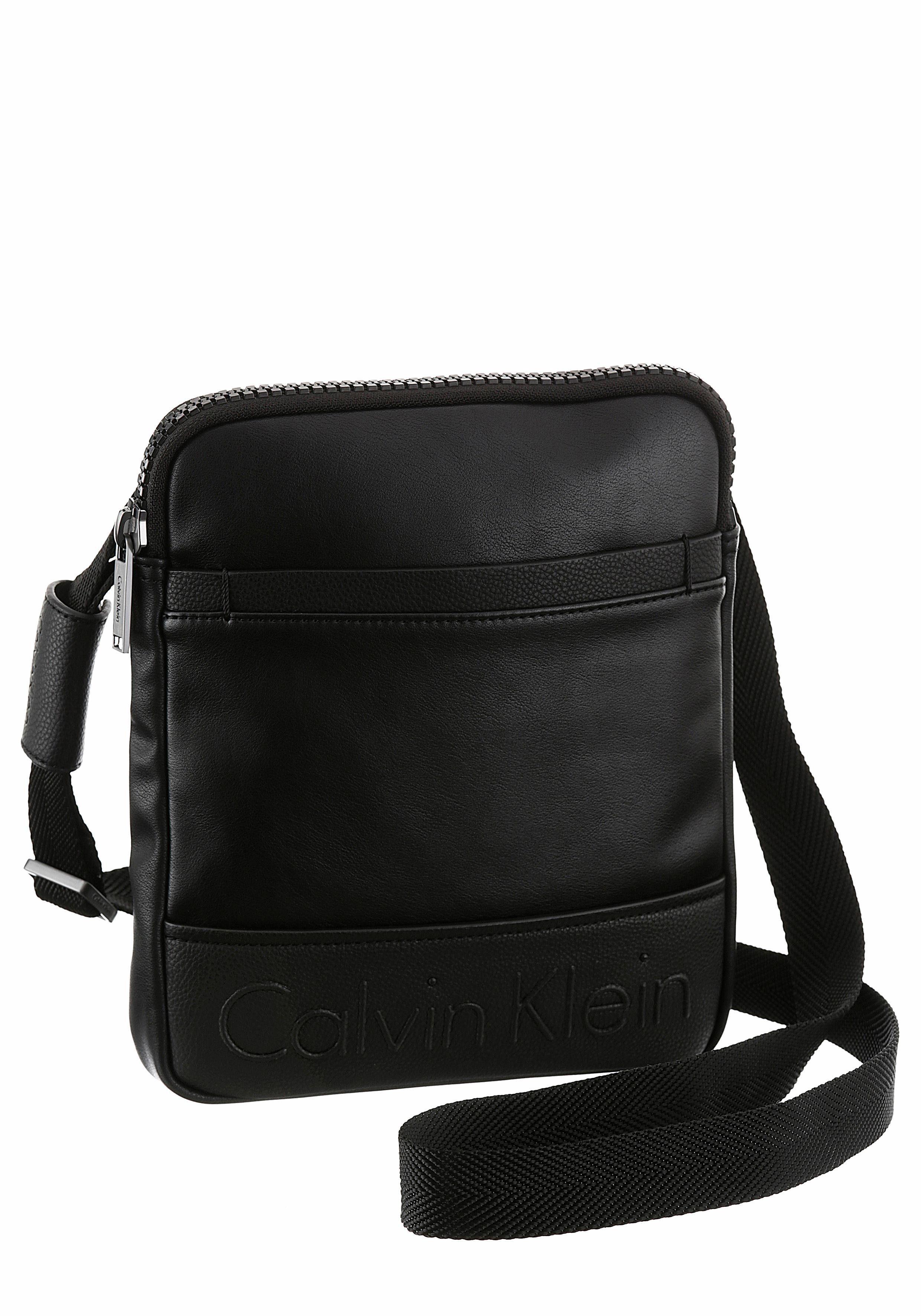 Calvin Klein Umhängetasche »BENNET FLAT CROSSOVER«, im praktischen Format