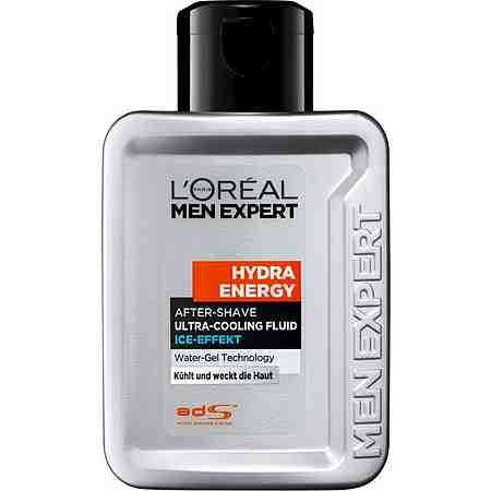 Pflegen Sie Ihre Haut nach der Rasur mit einem passenden After Shave Ihrer Wahl.