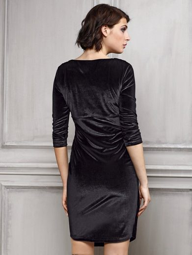 Alba Moda Samtkleid in femininer Optik