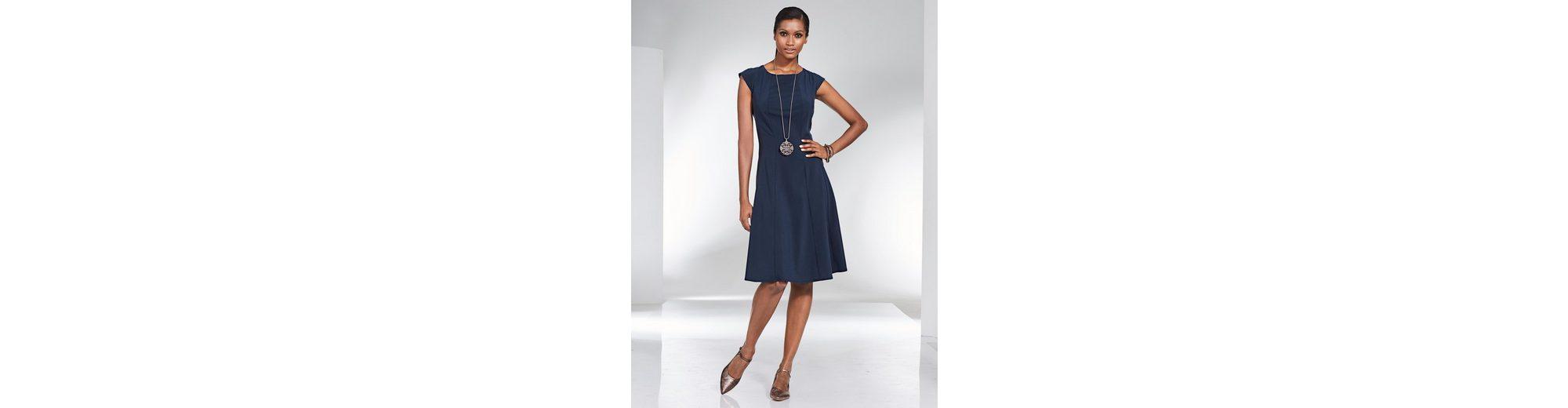 Billig Verkauf Wahl Billig Verkauf In Deutschland Alba Moda Kleid in aufwendiger Schnittführung Zahlen Mit Paypal Günstig Online Eastbay Online ZdwABHkc
