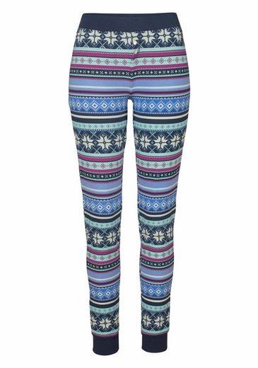 Bench. Pyjama mit buntem Norwegermuster