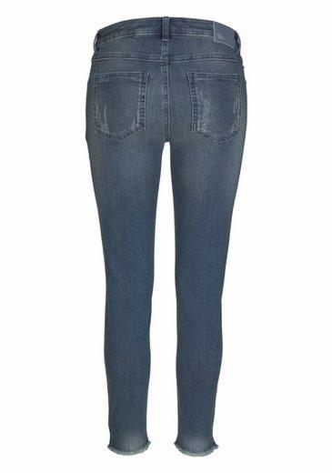 talk about 7/8-Jeans, mit hippen Details