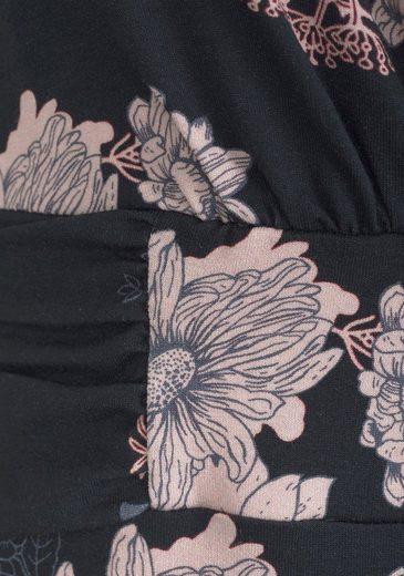 LASCANA Strandkleid in taillierter Form