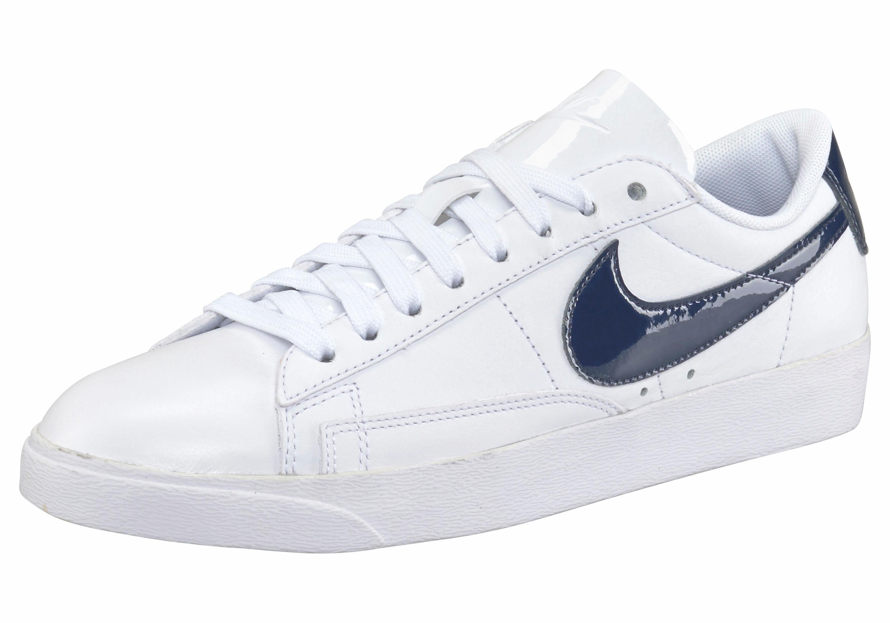 Nike Sportswear Wmns Blazer Low LE Sneaker  weiß-navy