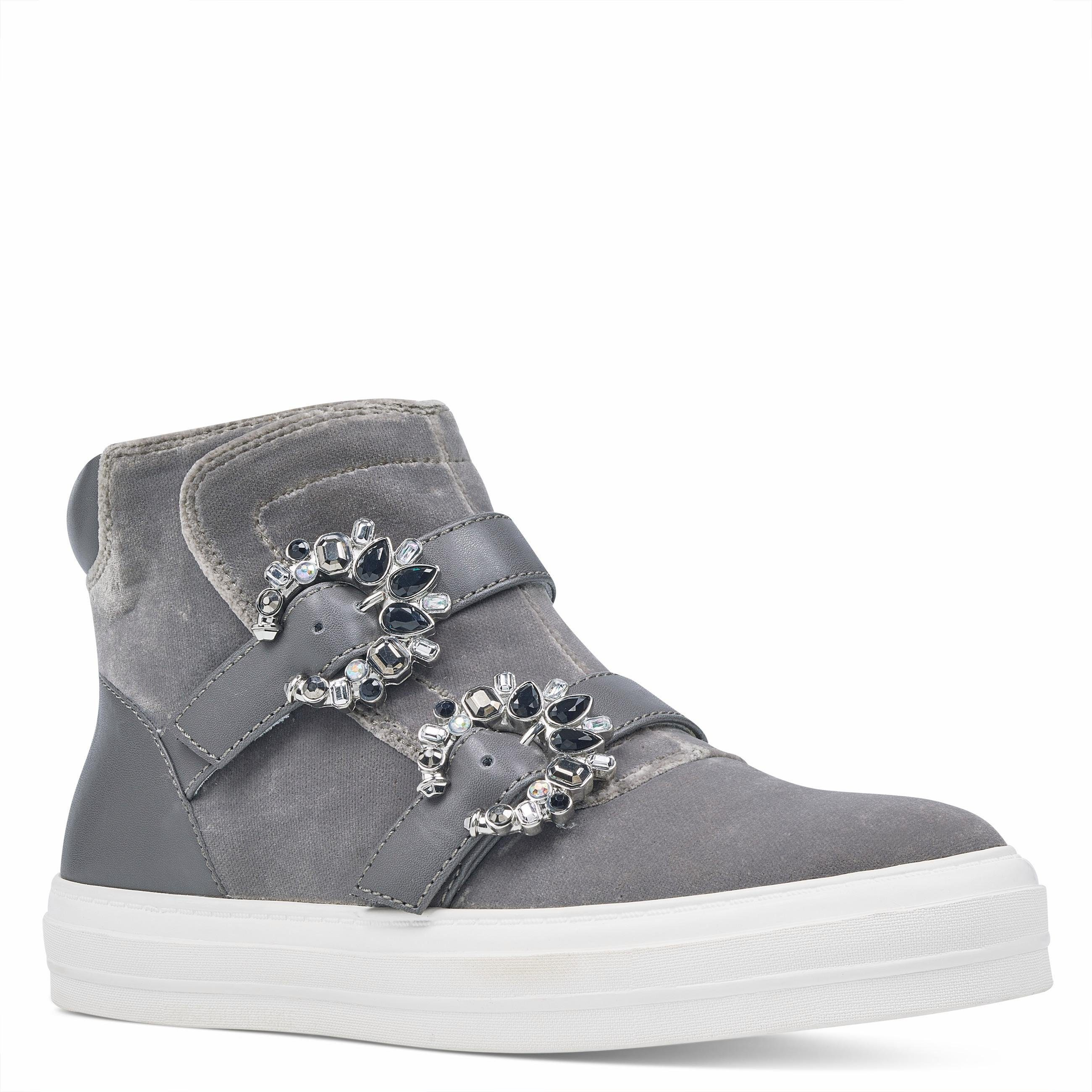 Nine West Sneaker, mit geschmückten Zierschnallen  grau