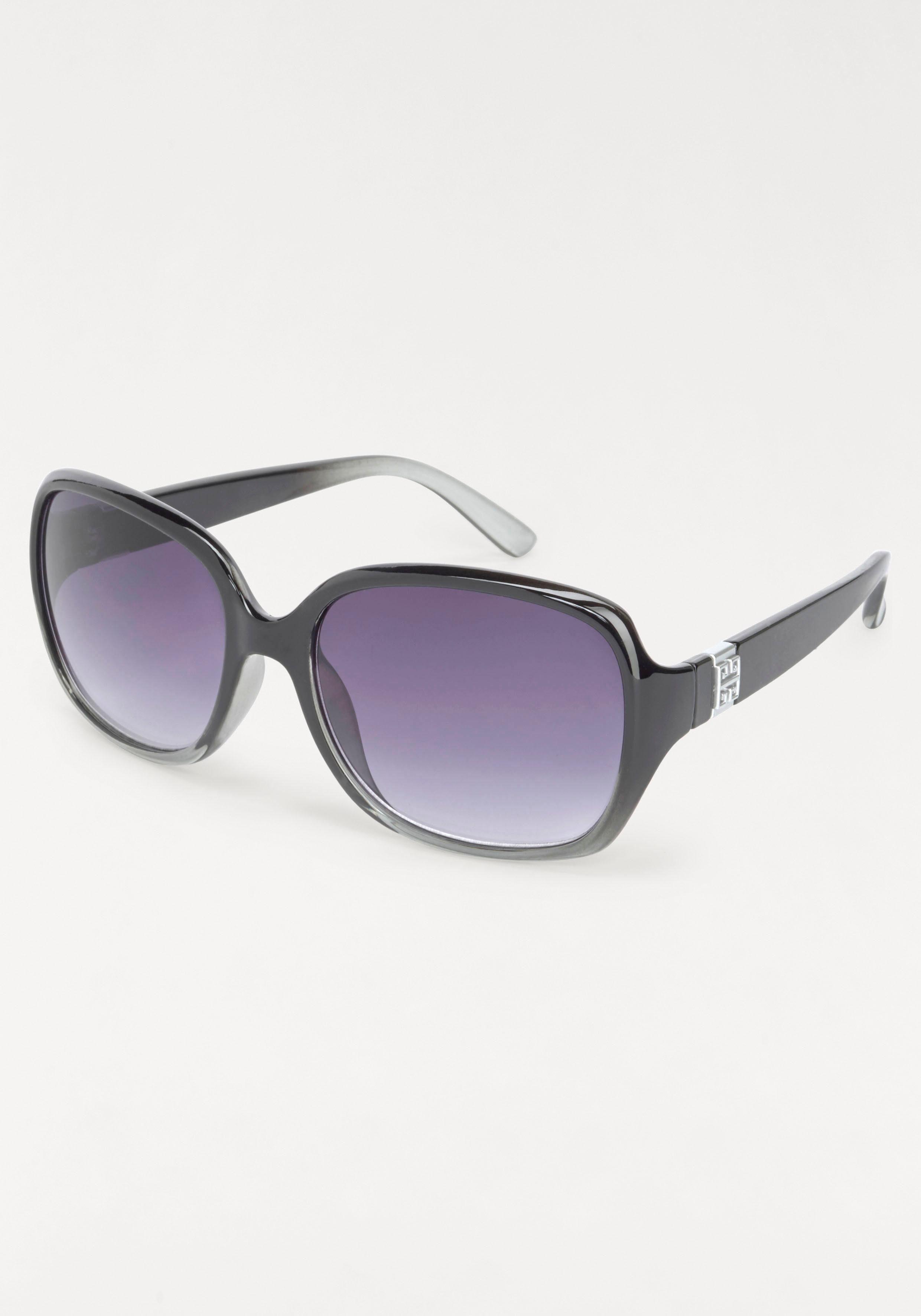 Sonnenbrille in modischer Form, Oversize
