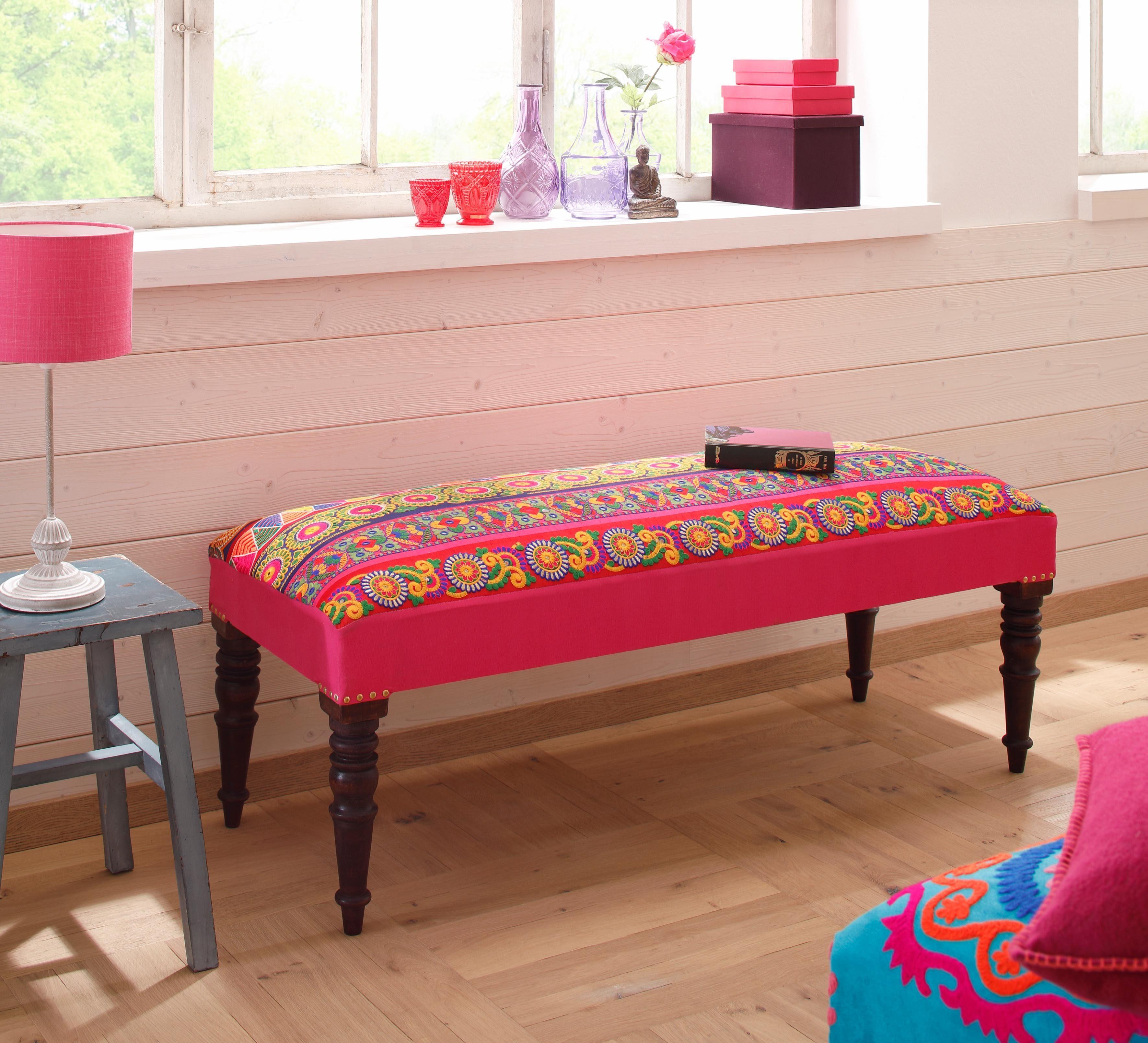 Home affaire Sitzbank «Sari«, mit Stickereien in strahlenden Farben und geschnitzten Beinen