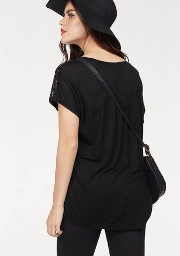Vero Moda Rundhalsshirt MISA, mit Spitzeneinsatz an der Schulter