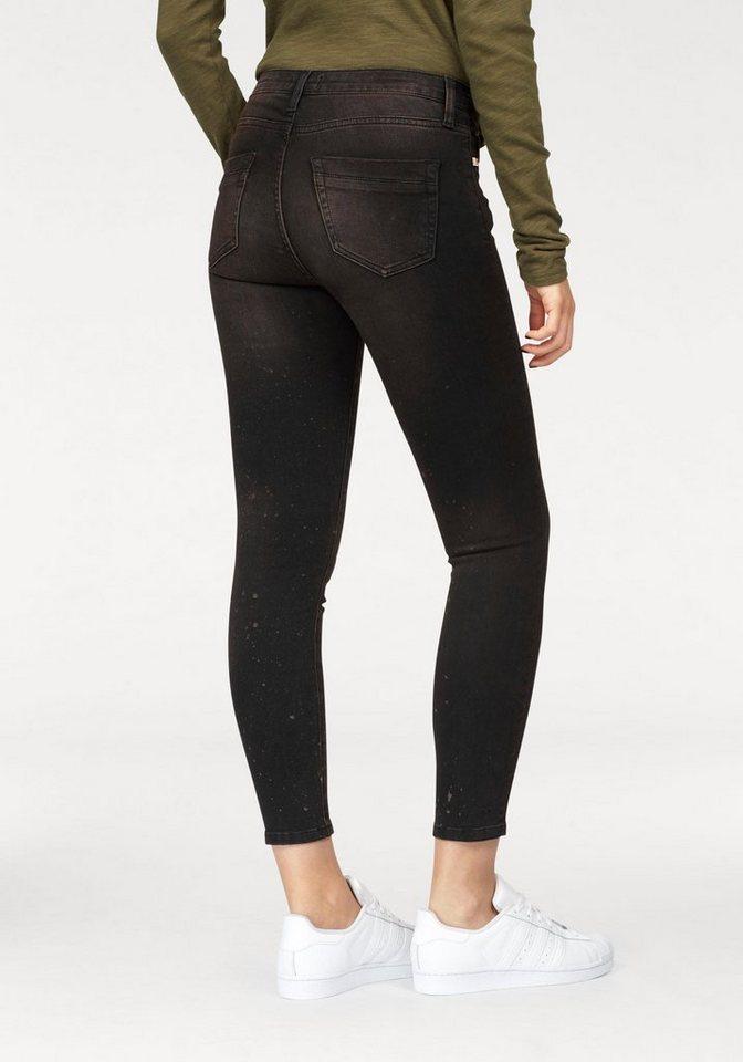 rich royal skinny fit jeans mit modischen abriebstellen. Black Bedroom Furniture Sets. Home Design Ideas