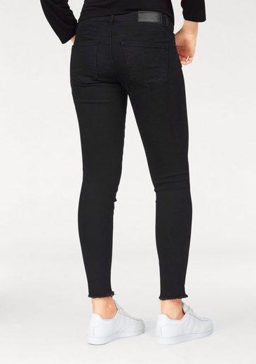 Noisy may Skinny-fit-Jeans LUCY ROSE, mit Stickerei und ausgefranstem Saum