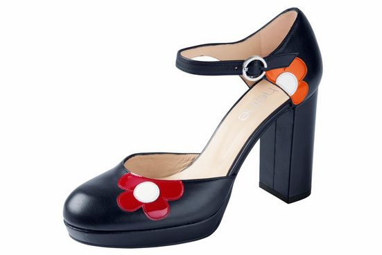 Heine Pumps mit Blüten-Applikationen