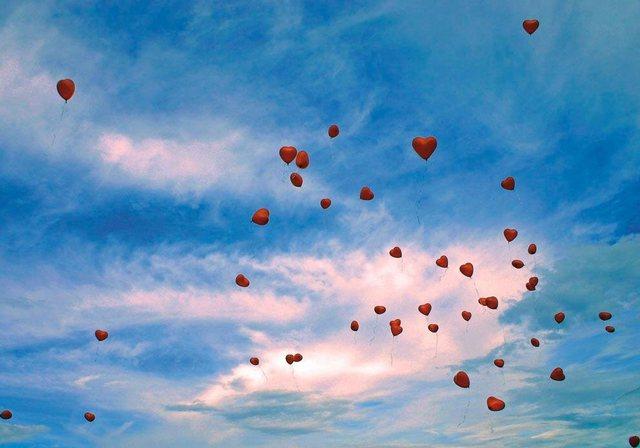 Fototapete Rasch  Ballon-Herzen bunt,mehrfarbig | 04000441891409