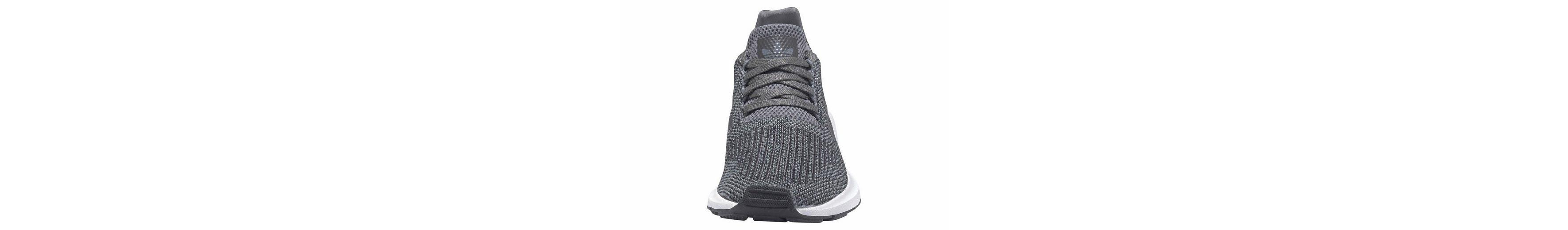 adidas Originals Swift Run Sneaker, Unisex