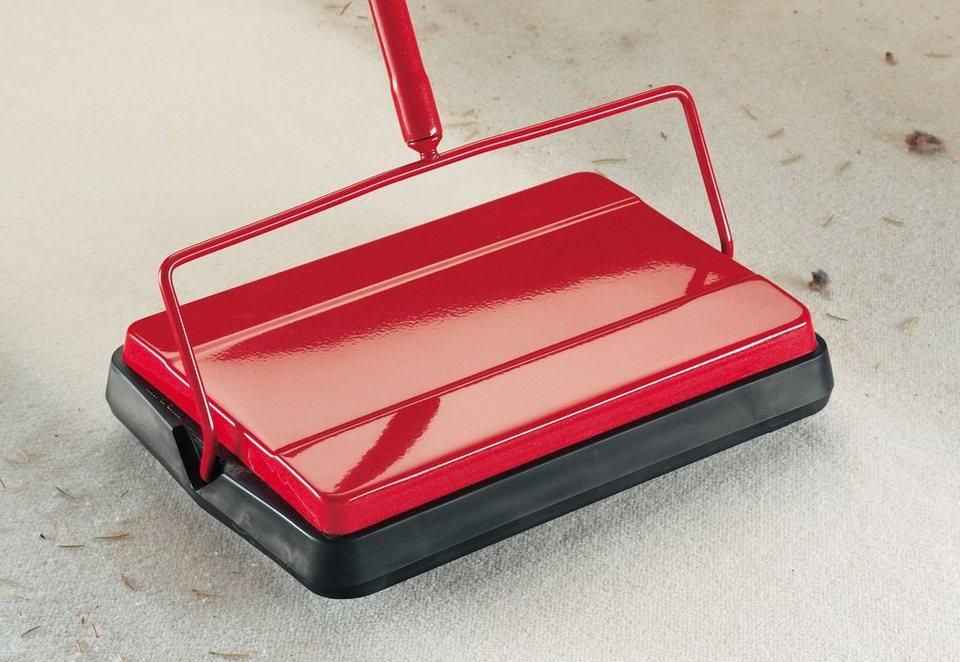 Teppichkehrer in rot