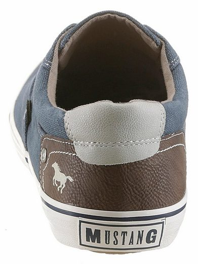 Mustang Shoes Sneaker, mit modischer Nietenapplikation