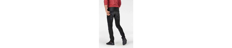 Q/S designed by Slim-fit-Jeans, Mit modischer Knopfleiste