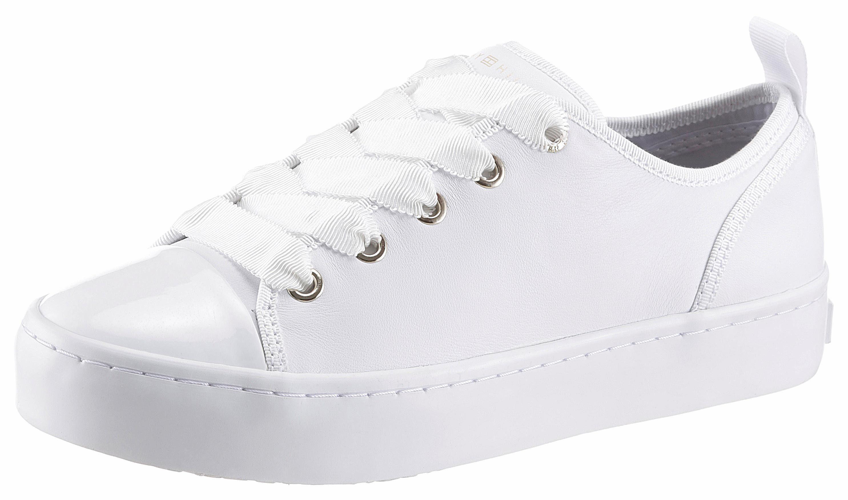Tommy Hilfiger Sneaker, mit Metallic-Applikation, weiß, weiß