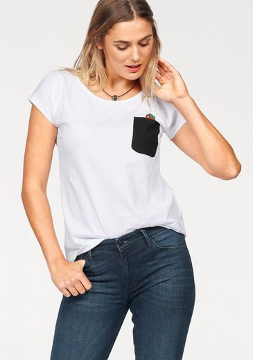 Cross Jeans® T-Shirt, mit kleinem Erdbeer-Print