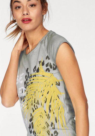 AJC T-Shirt, mit großem Frontprint und offenen Kanten