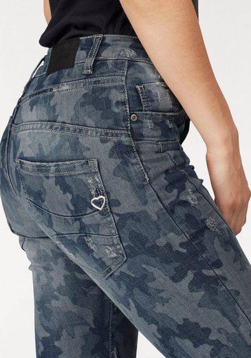 Please Jeans Boyfriend-Jeans P78A, in Camouflage Optik
