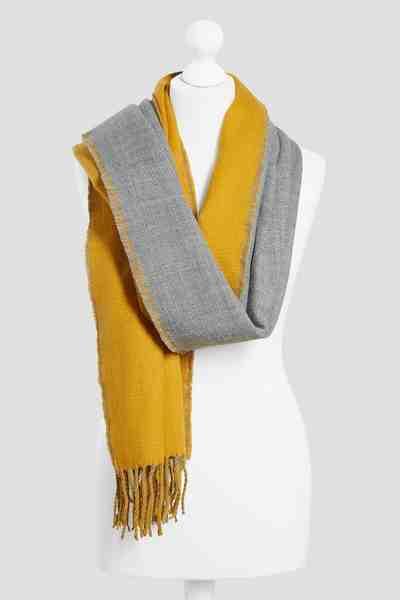 Next Beidseitig tragbarer Schal