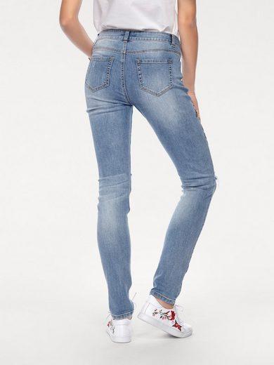 LINEA TESINI by Heine Jeans mit Blüten-und Schmuckapplikation