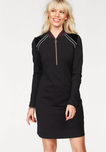 eksept Jerseykleid IOWA, im sportiven Design