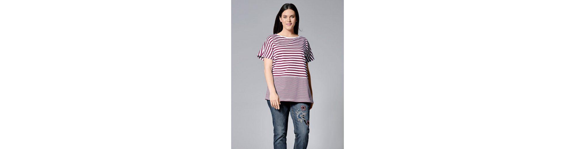 Verkauf Manchester Großer Verkauf Janet und Joyce by Happy Size Shirt gestreift in Oversize-Form Beste Online Billig Beliebt PlEMZow