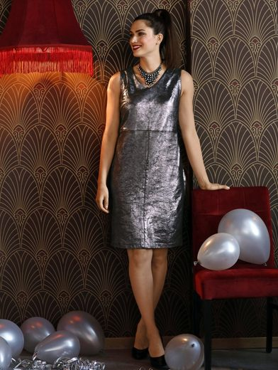 Sara Lindholm by Happy Size Lederimitat-Kleid in Etuiform