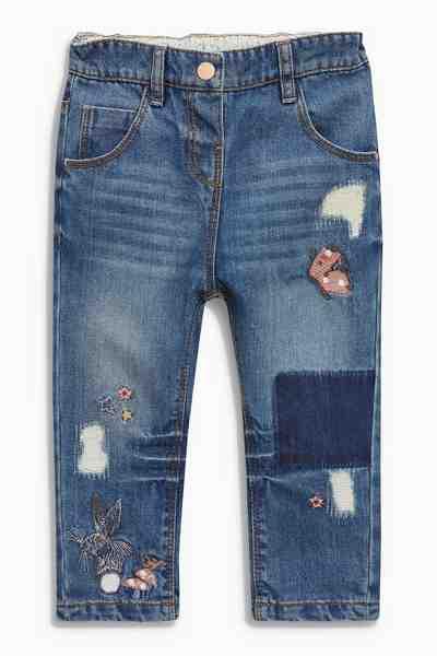 Next Mit Buchstaben verzierte Jeans