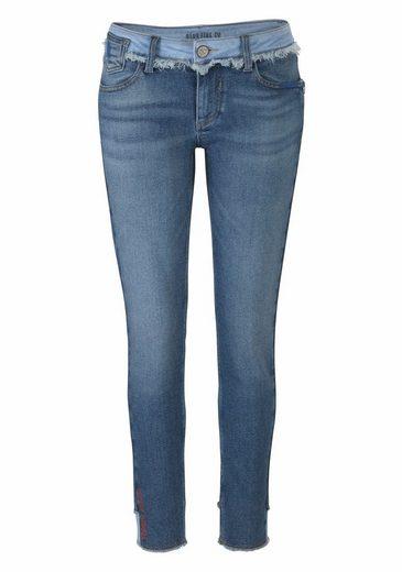 BLUE FIRE Skinny-fit-Jeans CHLOE, im modischen 90s Look