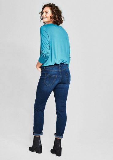 Triangle Curvy Fit: Dunkle Stretchjeans
