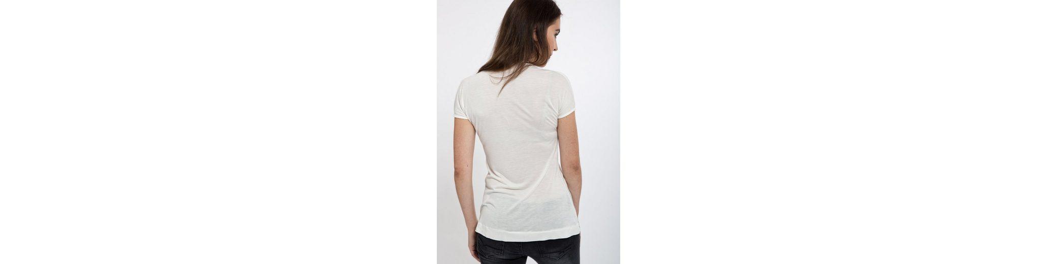 Mexx V-Shirt, mit raffiniertem Ausschnitt