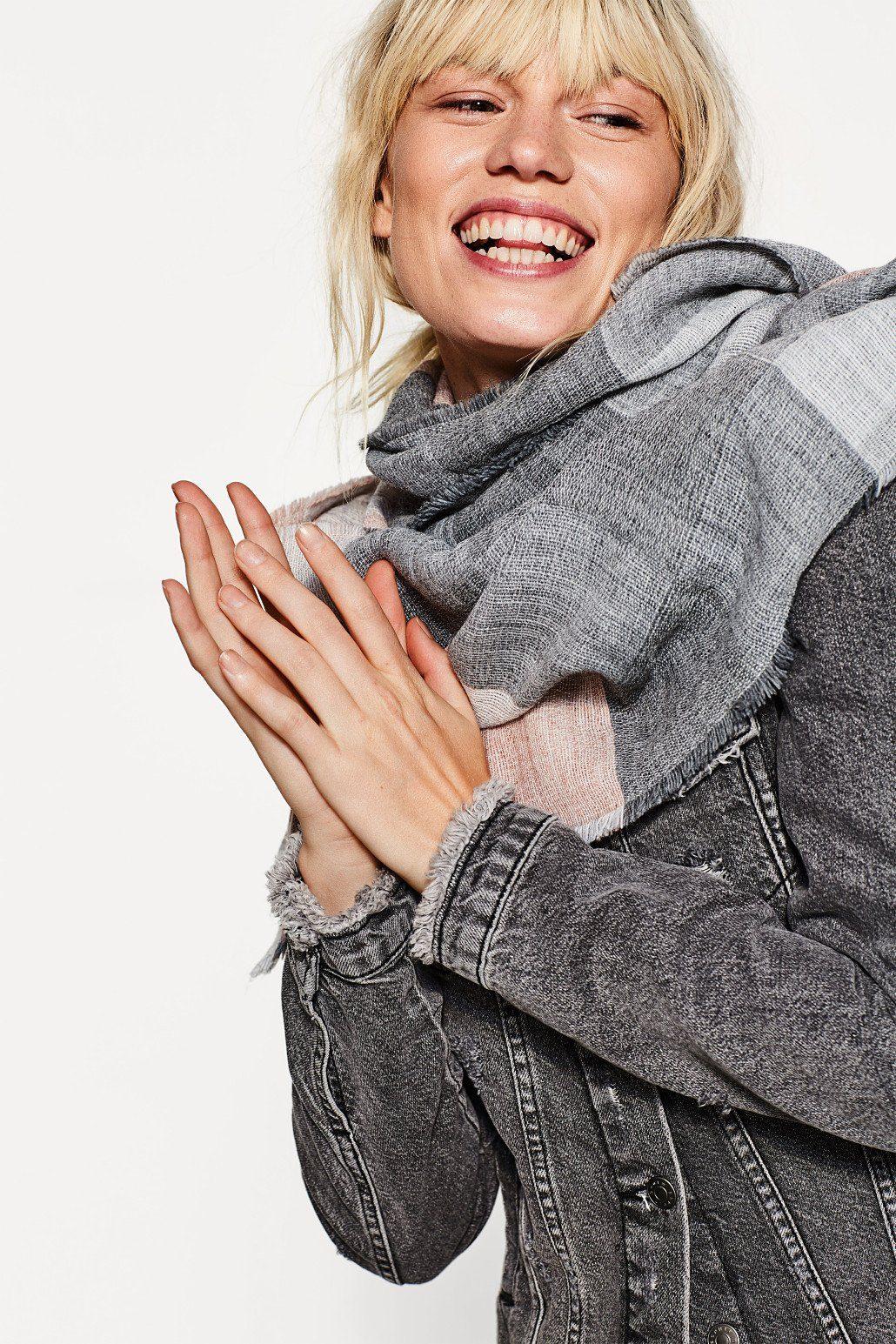ESPRIT CASUAL Jacquard-Schal aus italienischem Garn