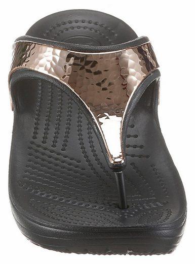 Crocs Sloane Hammered Met Flip Zehentrenner, mit gehämmertem Metalleinsatz