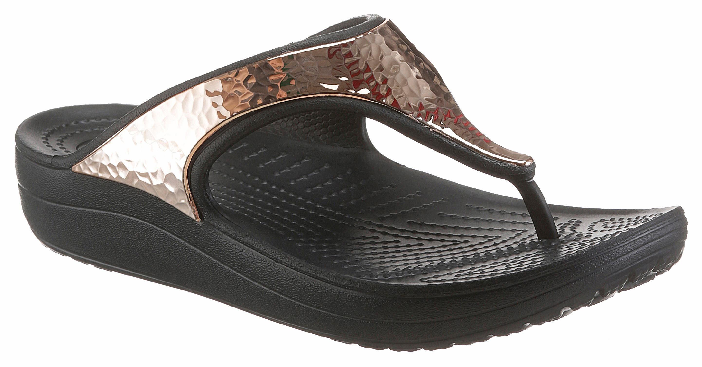 Crocs Sloane Hammered Met Flip Zehentrenner, mit gehämmertem Metalleinsatz online kaufen  roségoldfarben