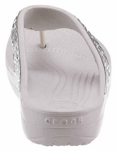 Crocs Sloane Graphic Etch Met Flip Zehentrenner, mit modischer Metallapplikation