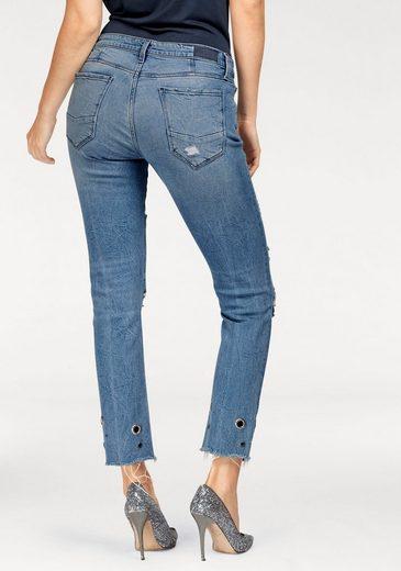 Cross Jeans® Stretch-Jeans, mit Ösen am trendy ausgefranstem Saum