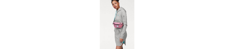 KangaROOS Sweatkleid, mit kontrastfarbenen Details und Känguru-Tasche