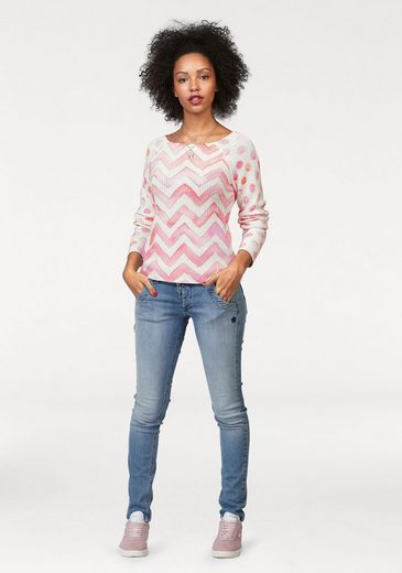 Kangaroos Knitted Sweaters, Front Wearable Points Or Polka Zigzag Pattern
