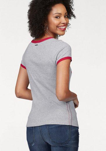 KangaROOS T-Shirt, mit Sneaker-Druck vorn und Kontrast-Kanten