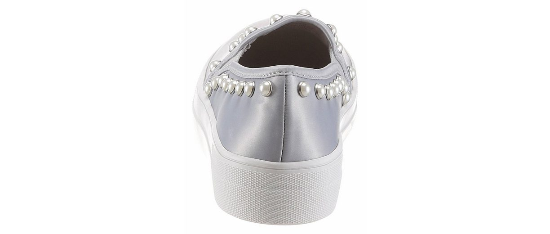STEVE MADDEN Slipper, mit modischer Perlenverzierung