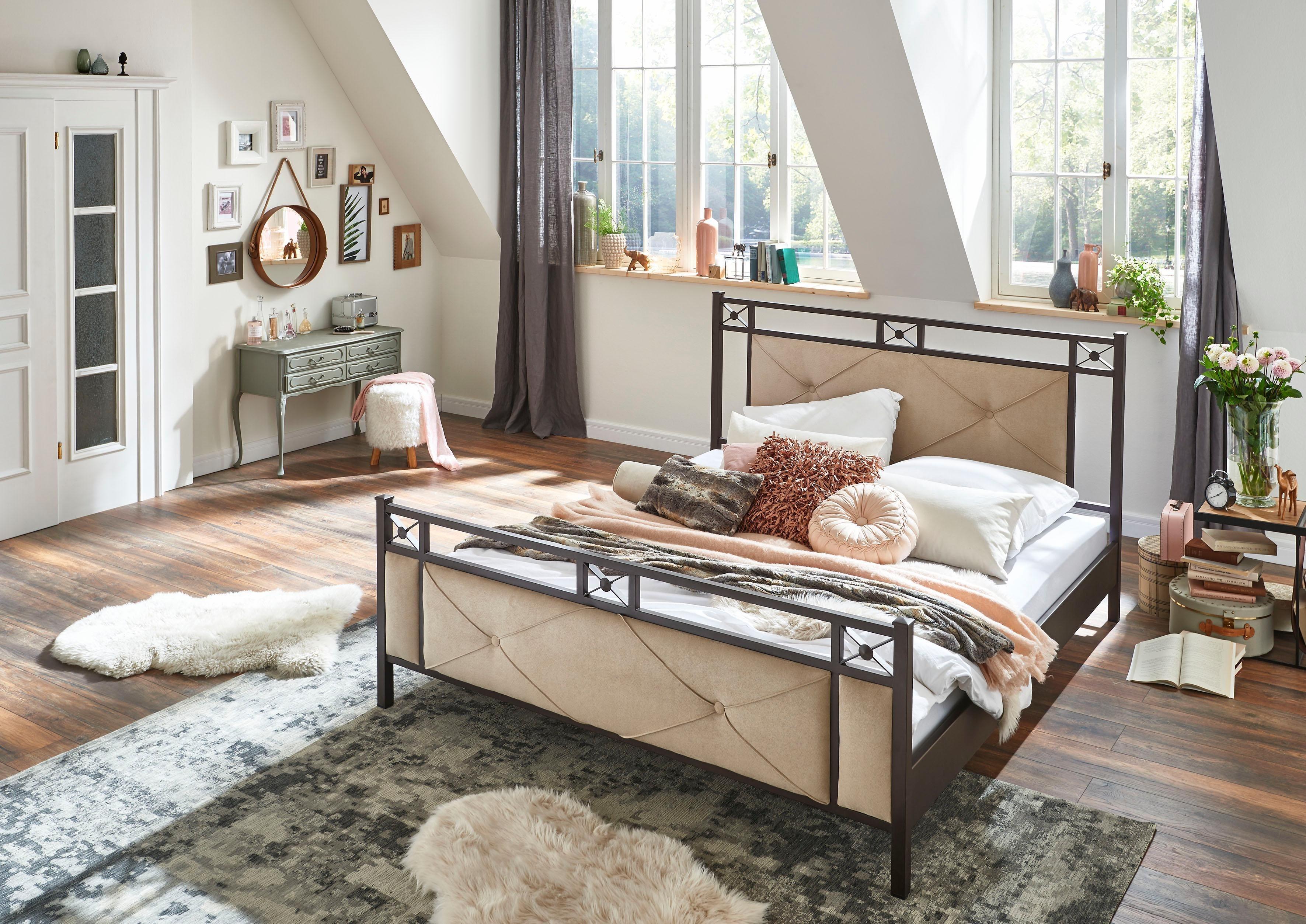 Home affaire Metallbett »Greta«, mit ausgepolstertem Kopf- und Fußteil | Schlafzimmer > Betten > Metallbetten | Microfaser - Stoff | Home affaire