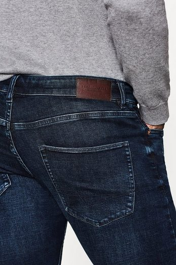 ESPRIT Dynamic Denim mit hohem Stretch-Komfort