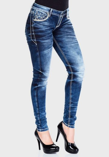 Cipo & Baxx Bequeme Jeans »Utopia« mit bestickten Taschen