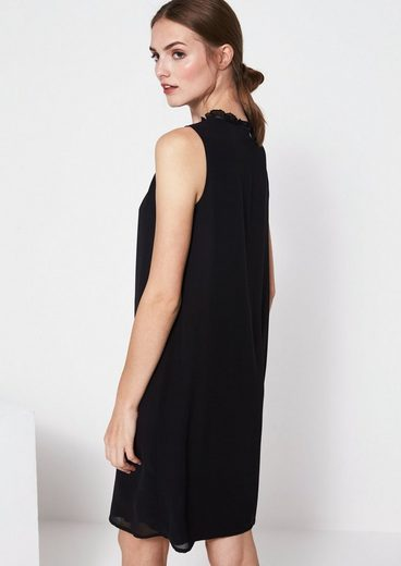 Comma Delicate Crepe Dress With Exciting Details