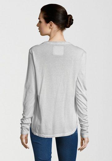 Better Rich Longsleeve STAND UP, spezielle Garment-Dying-Technik für einen wertige, verwaschene Optik.