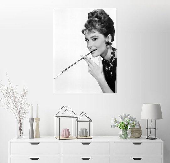 Posterlounge Wandbild »Audrey Hepburn mit Zigarettenspitze«