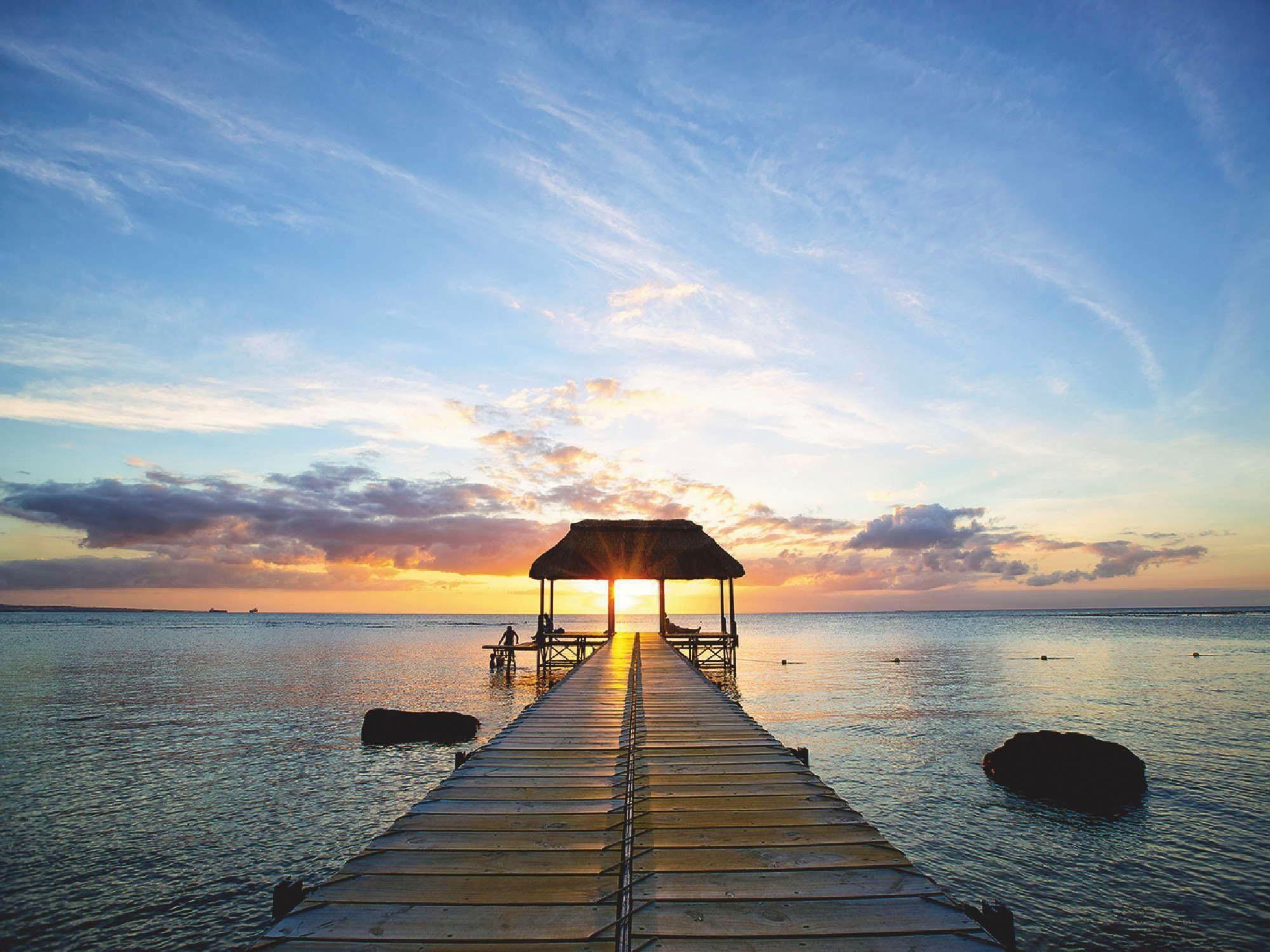 Home affaire Glasbild »Steg-Silhouette im Gegenlicht vor Sonnenuntergang auf Mauritius«, 80/60 cm